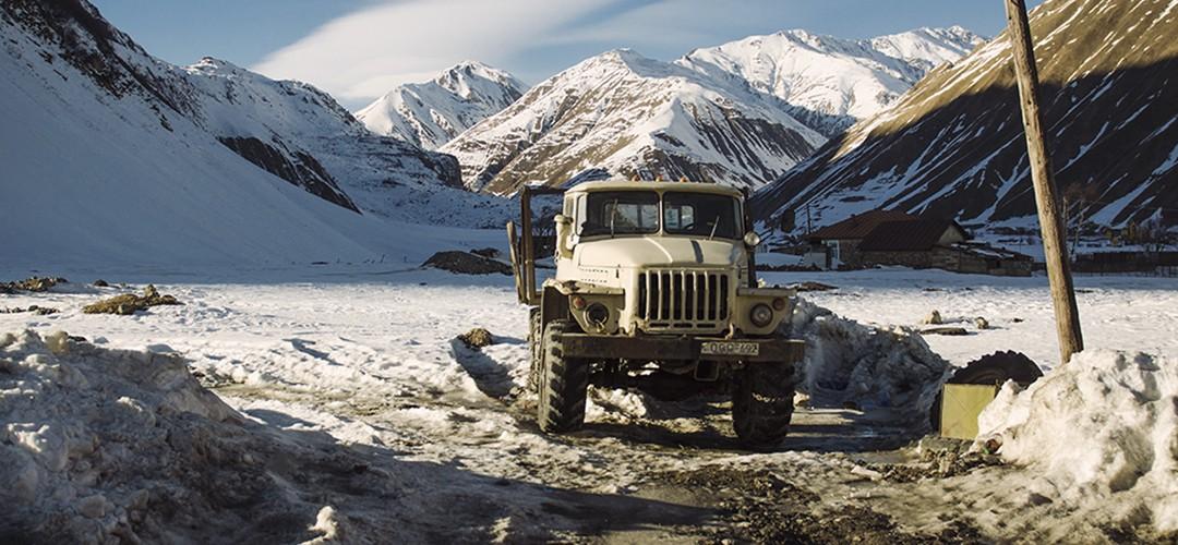 Ośnieżone szczyty Kaukazu na zdjęciach